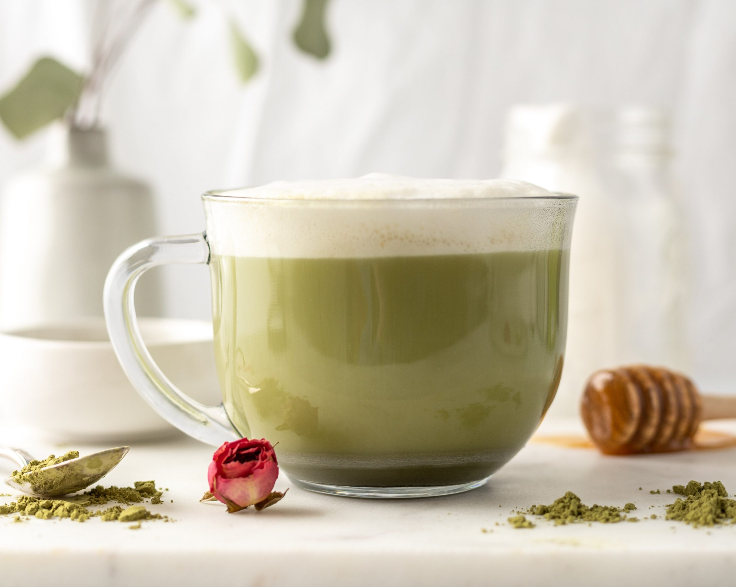 Delicious and Easy Organic Green Power Matcha Latte!